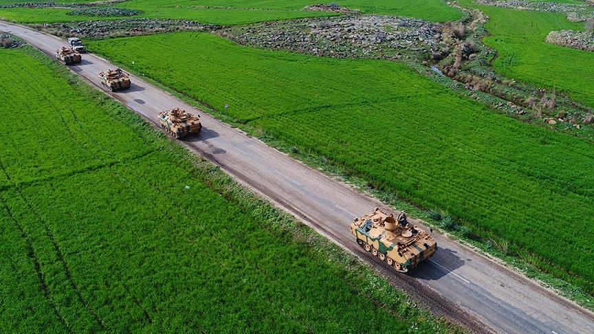 شاهد.. قوات الدرك الخاصة التركية تجتاز الحدود السورية متوجهة إلى عفرين 1