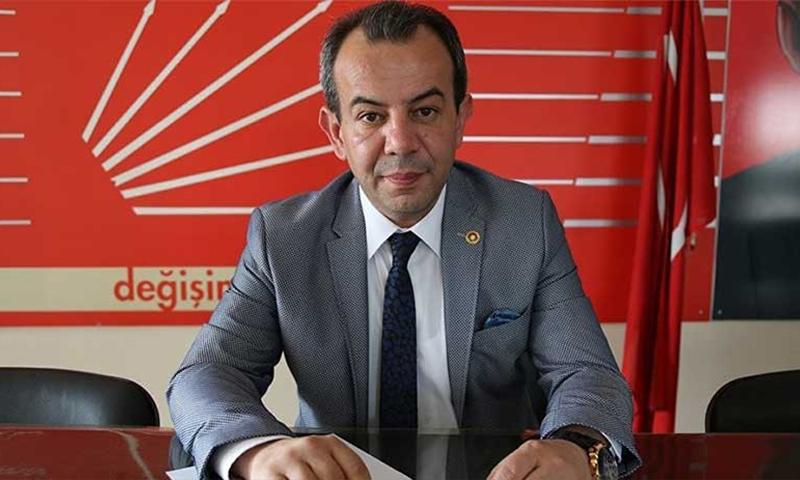 الداخلية التركية تفتح تحقيقًا بحق رئيس بلدية قطع مساعدات عن السوريين 1
