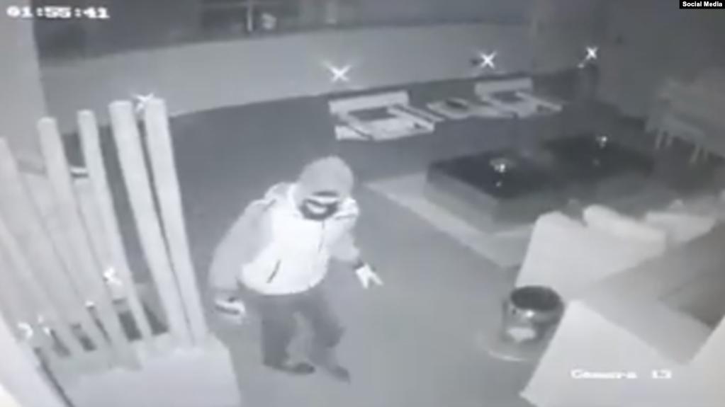 بالفيديو.. شاب سوري يسطو على بيت نانسي عجرم وزجها يقتله بالرصاص 1