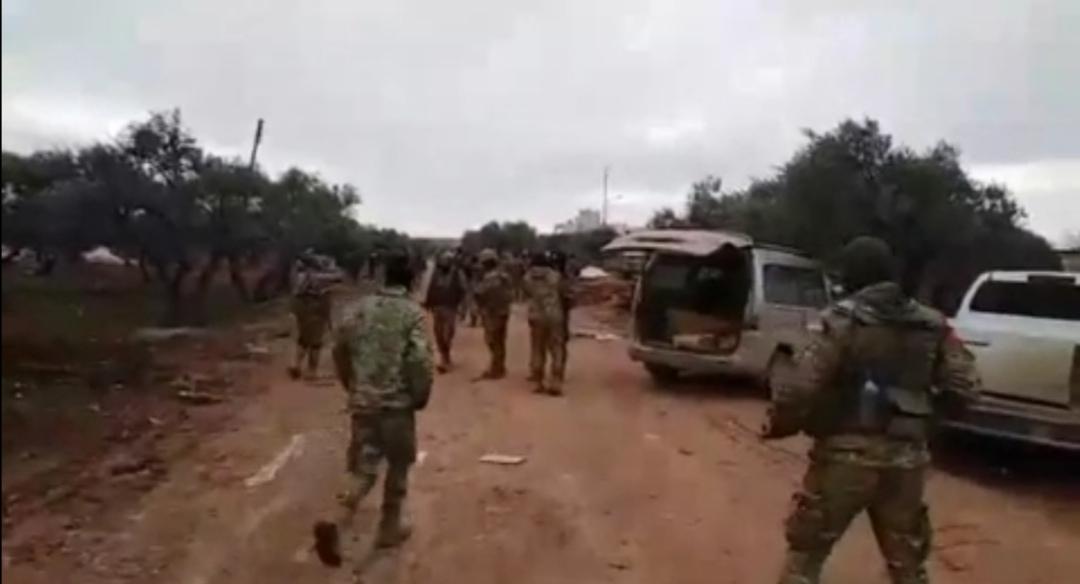 اللحظات الأولى لإسقاط مروحية الأسد في ريف إدلب 1