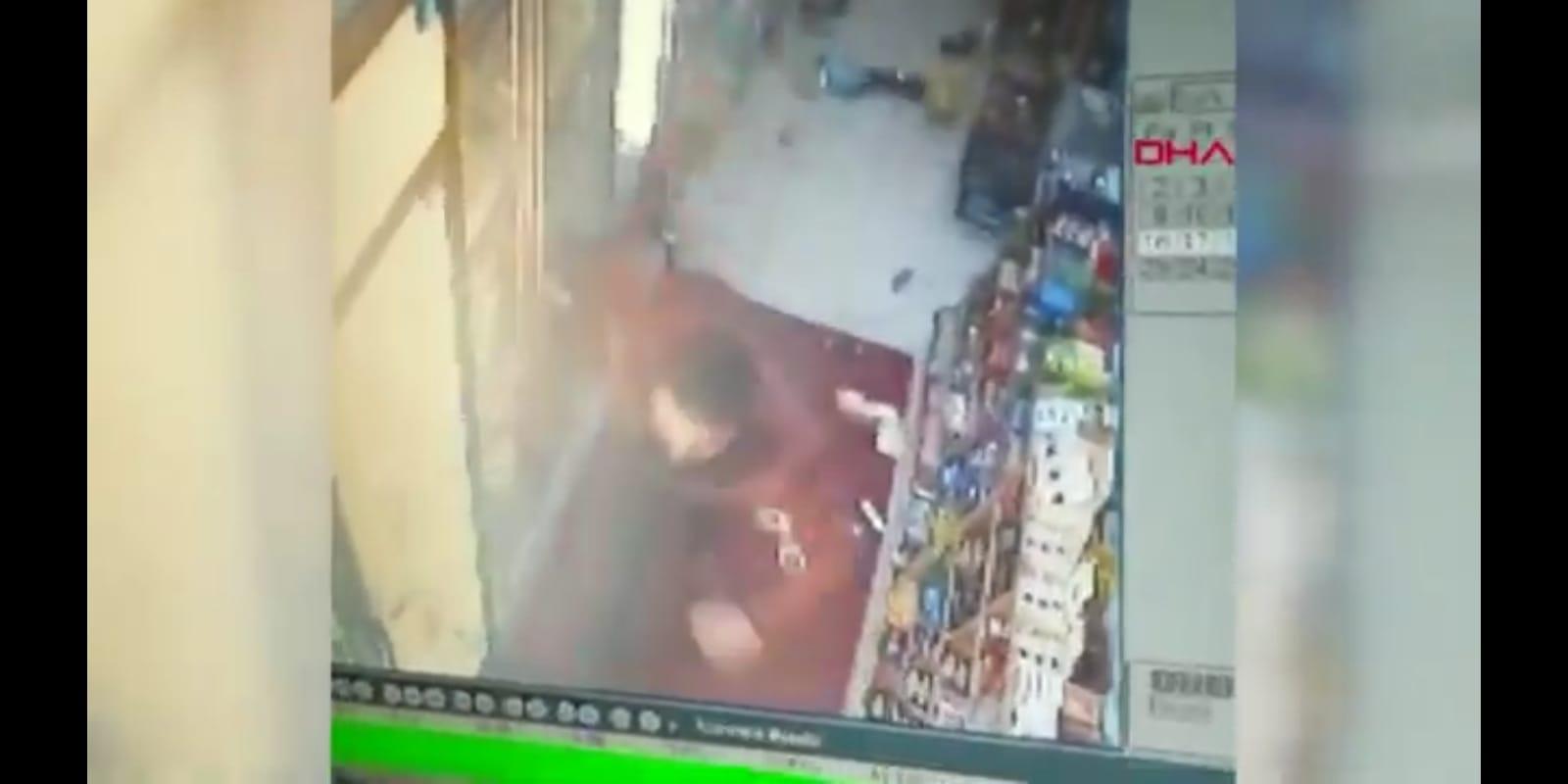 الناس تنزل إلى الشوارع في ولاية مانيسا بسبب الزلزال 1