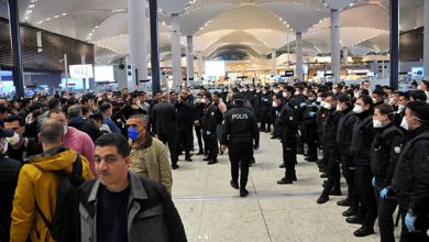 "Photo of جزائريون عالقون في مطار إسطنبول بسبب ""فيروس كورونا"""