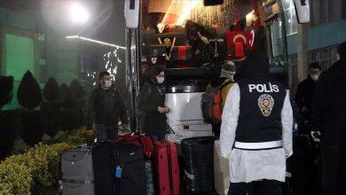 """صورة الشرطة التركية تدعو المواطنين للالتزام بـ""""الحجر الصحي"""" في إسطنبول"""