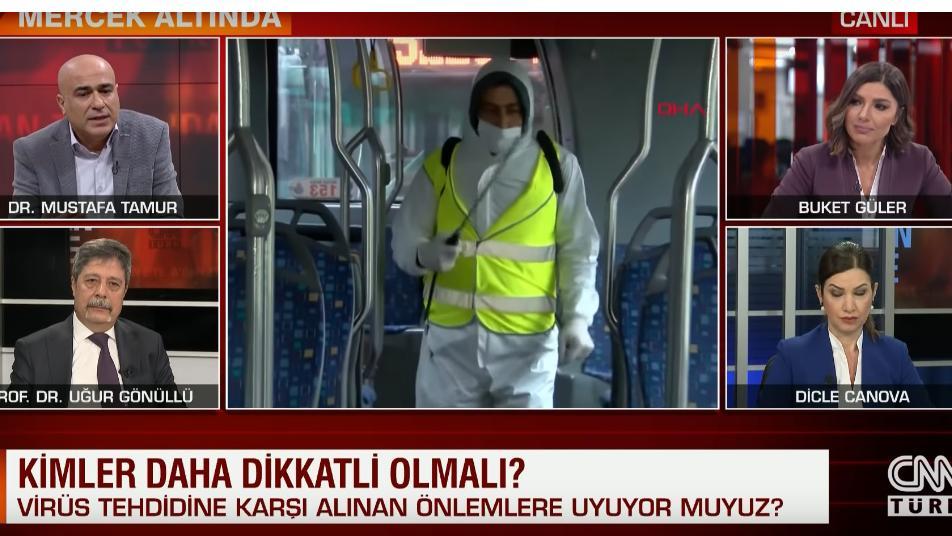 بكاء مذيعة تركية على الهواء إثر حديث طبيب عن إصابة زملائه بكورونا (فيديو) 1