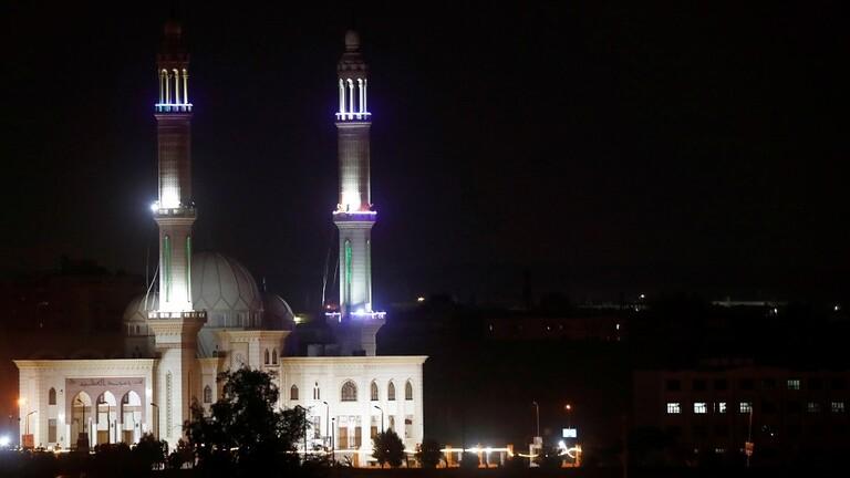 حقيقة فتح مصر المساجد خلال ايام 12