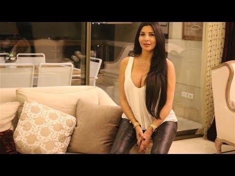"""اللبنانية لاميتا فرنجية التي تعمل في مجال الأزياء تشعل ضجة بفيديو """"ساخن"""" من الحجر المنزلي! 1"""
