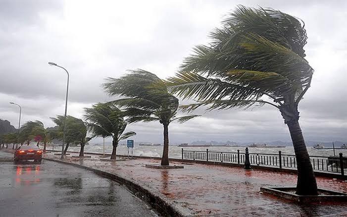 عاجل يحذر مركز تنسيق الكوارث من عاصفة متتالية في مدينة اسطنبول 9