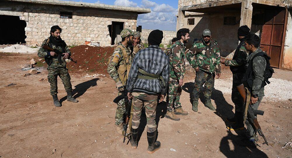 "Photo of فيديو يثير ضجة كبيرة في سوريا… ما حكاية ""اشتباكات عنيفة بين أنصار الأسد ورامي مخلوف"""
