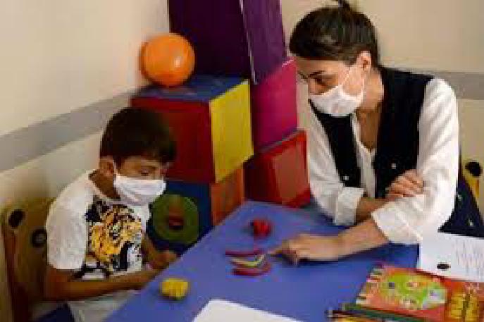 صورة تركيا تساهم في إعادة حاسة الرؤية لطفل سوري في ظل أزمة الكورونا