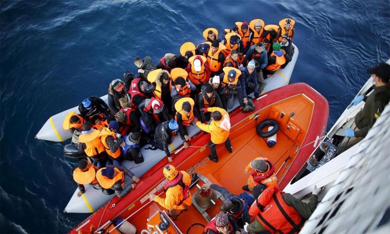 """Photo of تركيا من جديد تنقذ 42 لاجئًا في بحر """"إيجه"""""""