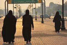 Photo of قبل دخول الحظر حيز التنفيذ .. كويتي يفعلها مع النساء اللاتي يمارسن رياضة المشي والأمن يصطاده!