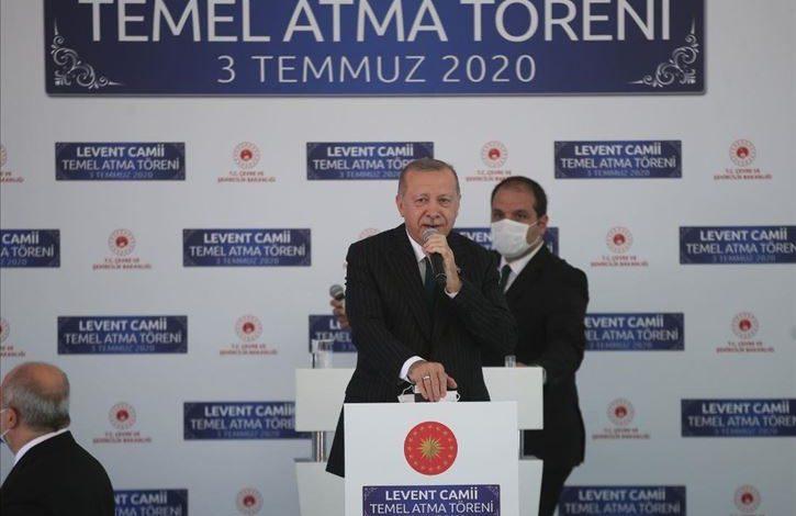 Photo of الرئيس التركي رجب طيب أردوغان يضع حجر الاساس لمسجد في اسطنبول