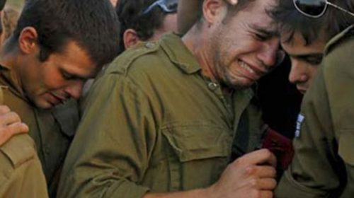 بسبب فتاة وحدة كاملة من الجيش الإسرائيلي و وزير الدفاع يدخلون الحجر الصحي
