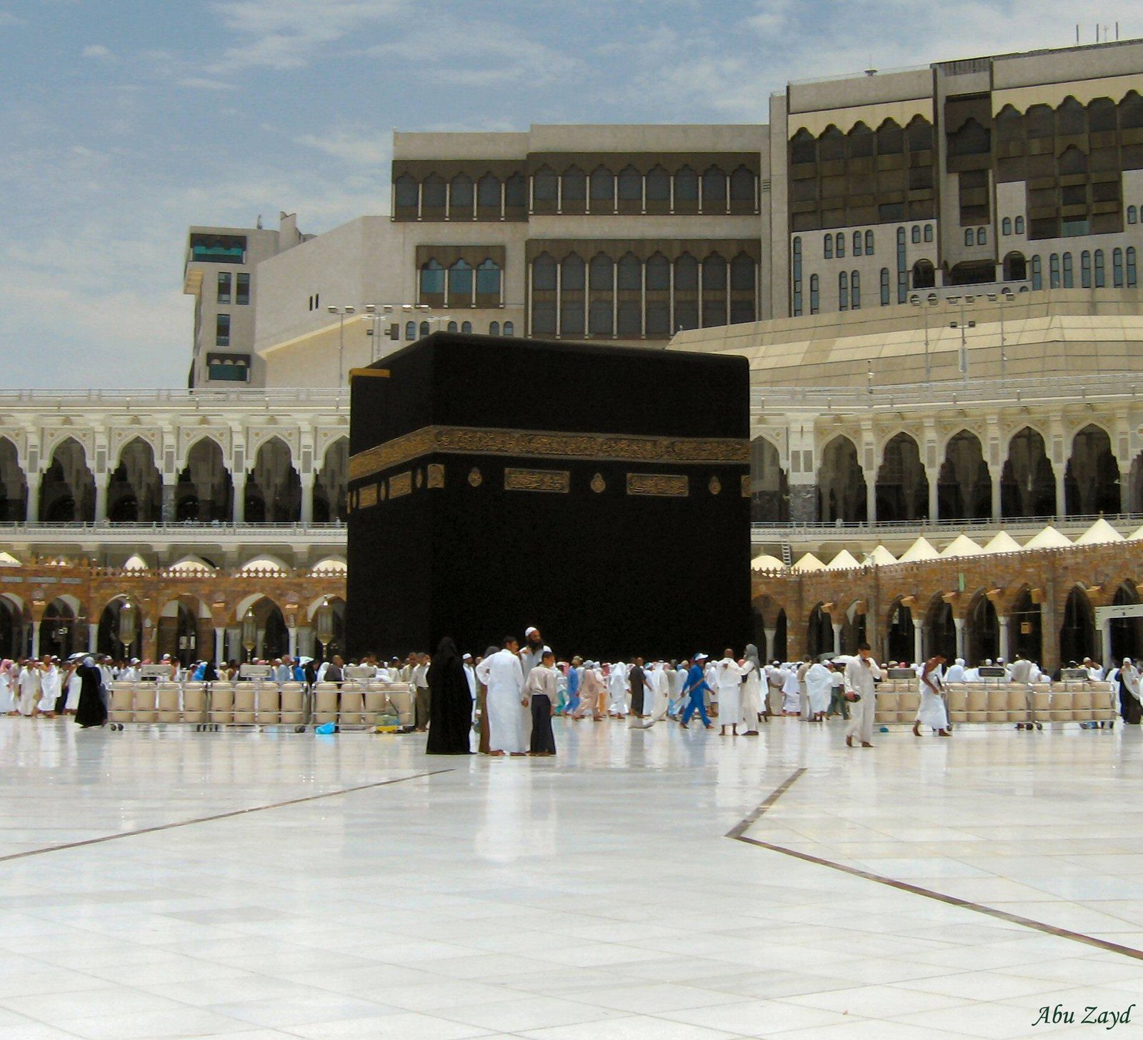 لأول مرة في تاريخ المملكة السلطات السعوية تصدر قرار يتعلق في صلاة العيد 1