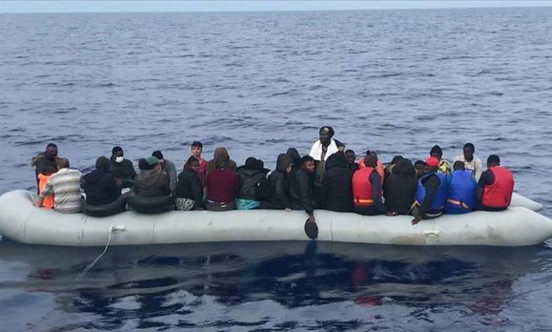 Photo of فرق خفر السواحل تنقذ 36 طالب لجوء أجبرتهم اليونان على العودة إلى المياه التركية