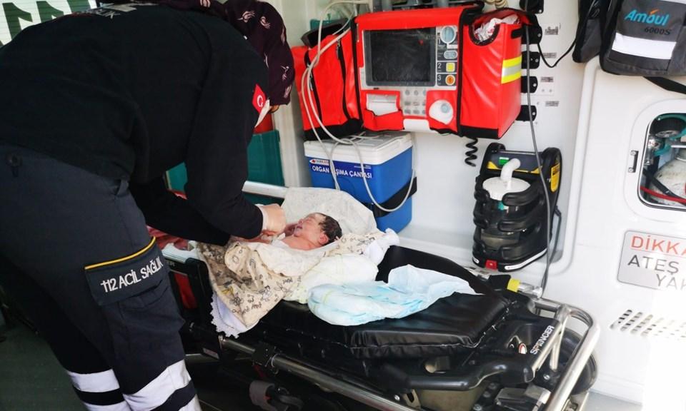 ولادة إمراة في نقطة تفتيش للشرطة التركية في ولاية أضنة القصة كاملة 2