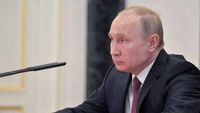 Photo of بوتين يعلن تسجيل روسيا أول لقاح في العالم ضد فيروس كورونا