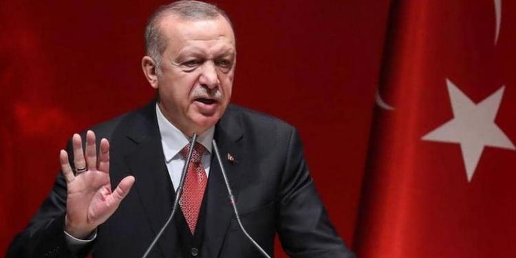 """أنتم لا تعرفون مع من تتعاملون"".. أردوغان يتحدى واشنطن علناً ويوبّـ.خ ""ماكرون"" مجـ.دداً (فيديو) 1"