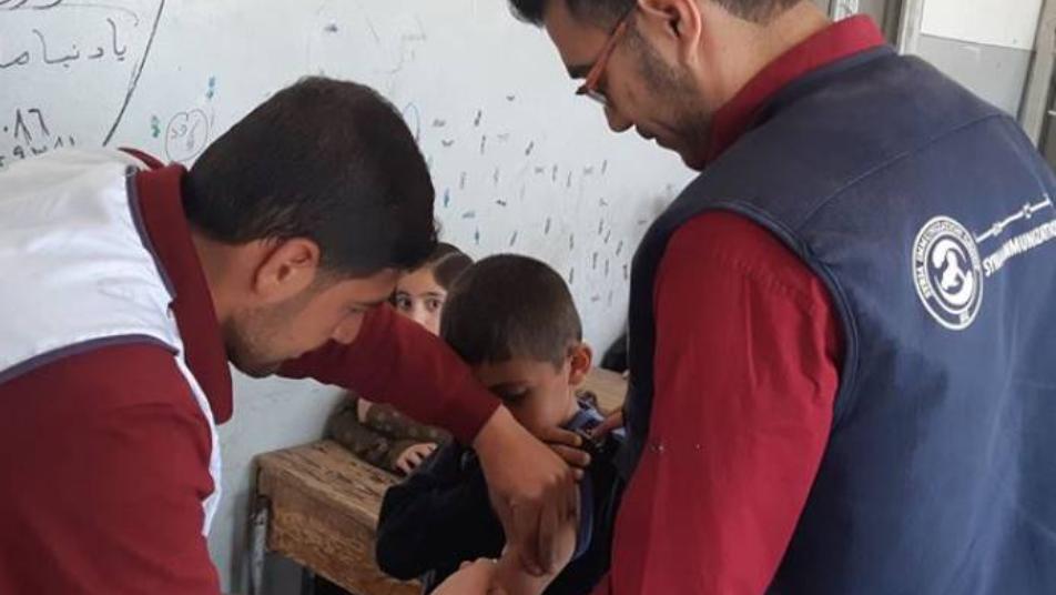 """حملة """"تلقيح"""" تثير مخاوف السوريين.. ما حقيقة وصول لقاح كورونا إلى الشمال المحرر؟ 7"""
