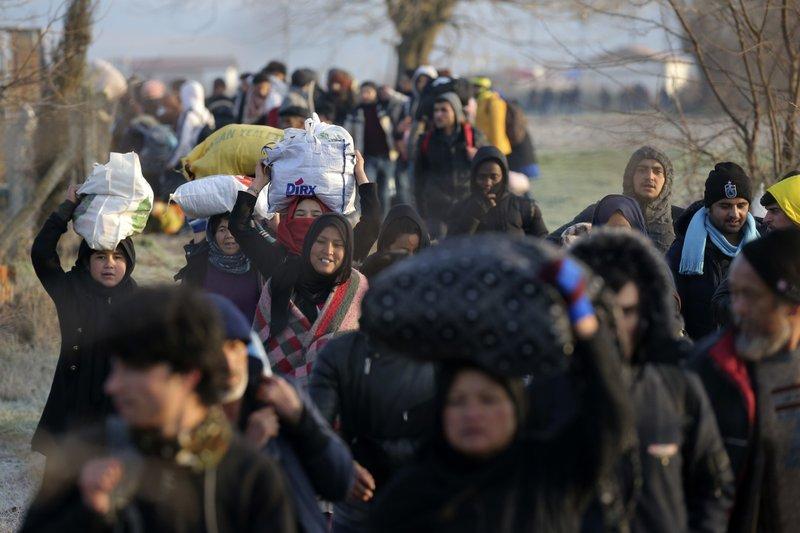 قرار صادم لآلاف المهاجرين و اللاجئين في أوروبا 8