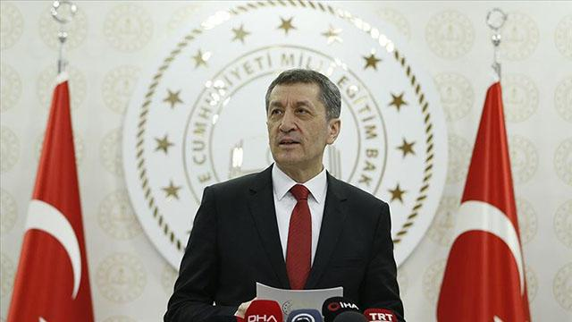 هام وزير التربية التركي يعلن عن توزيع أجهزة لوحية على الطلاب 11