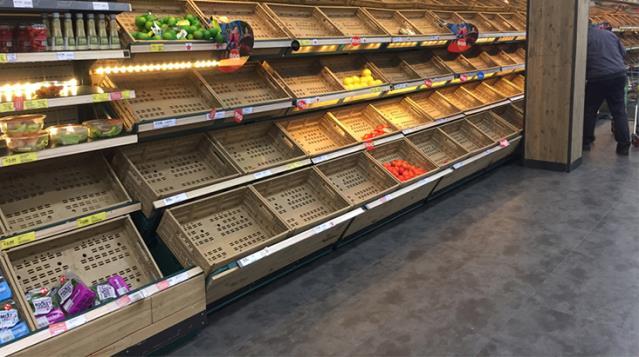 خوفا من المجاعة بسبب كورونا الفرنسيون يبدأون بتخزين المواد الغذائية 14