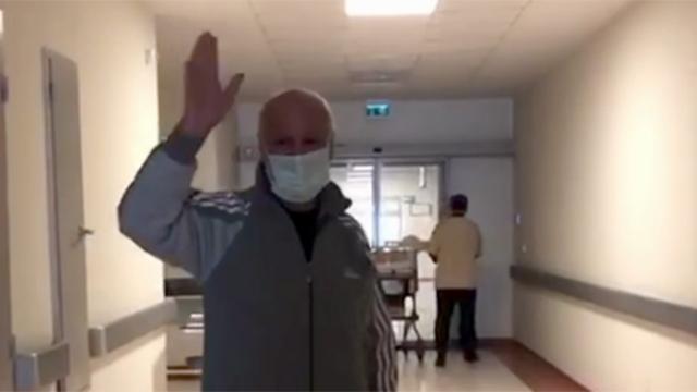 مواطن تركي يخرج بعد 79 يوم من المستشفى بعد إصابته بفيروس كورونا 1