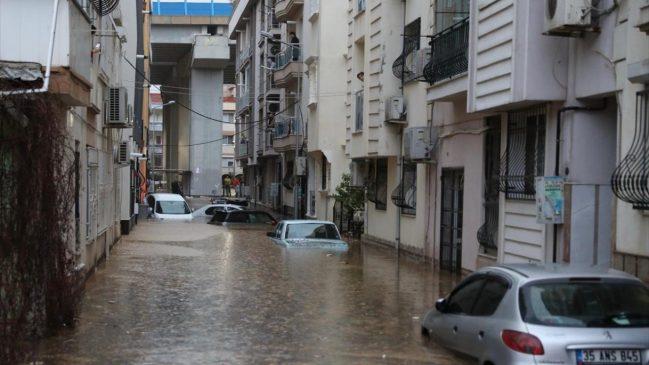 كارثة الفياضانات في ولاية إزمير تتسبب في وفاة شخصين و أضرار أخرى عديدة (صور) 8