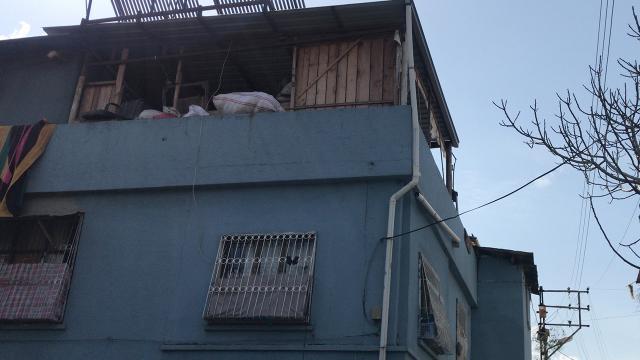 مصير الإمرأة السورية التي وقعت من الطابق الثالث و هي حامل بالشهر التاسع 11