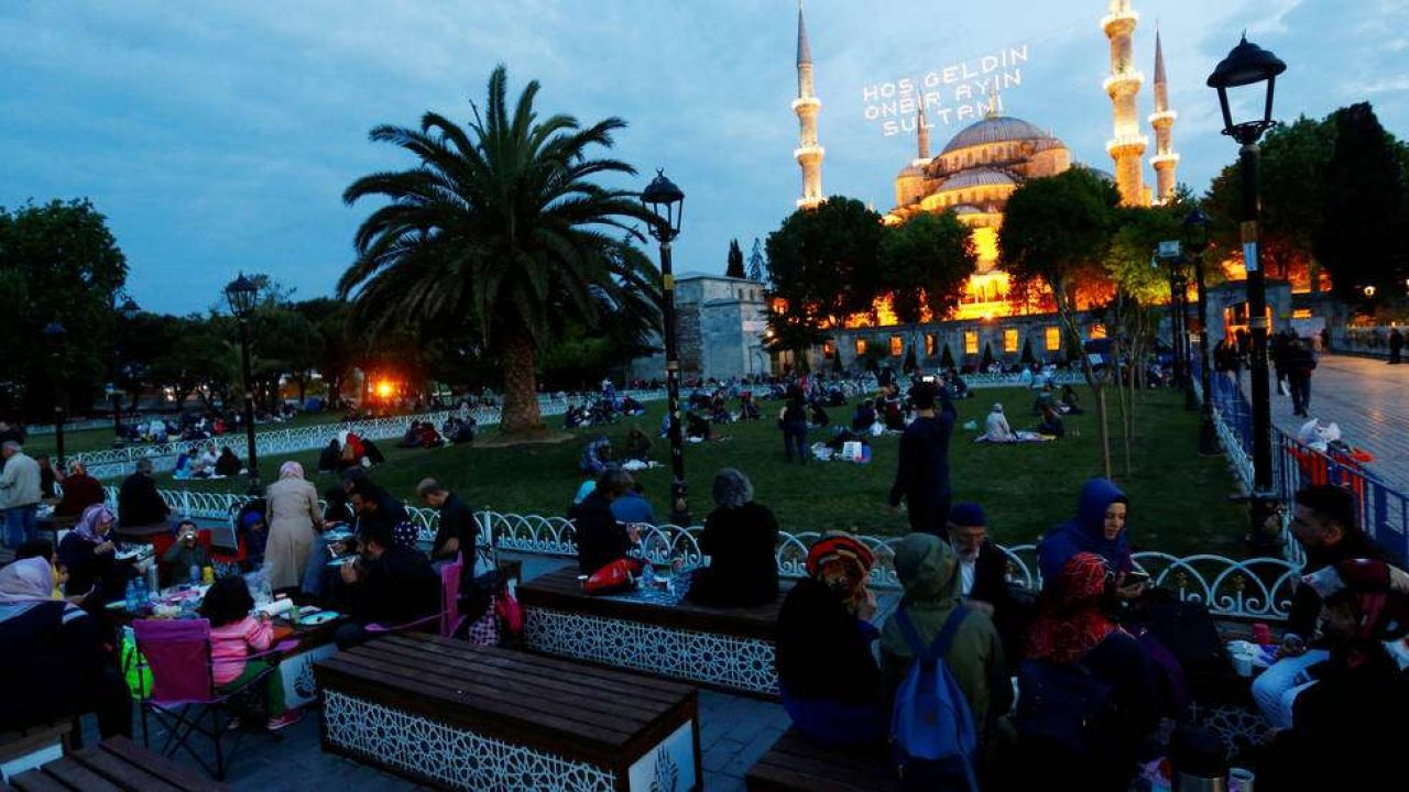 كيف ستكون فترات الحظر واجراءات شهر رمضان في تركيا؟ 1