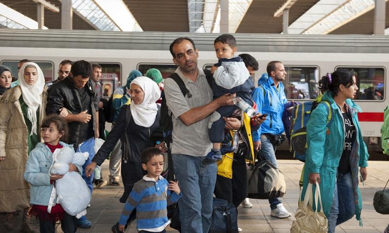 لأول مرة.. ألمانيا تسمح للاجئين السوريين على أراضيها بإحضار 100 فرد من عائلاتهم 13