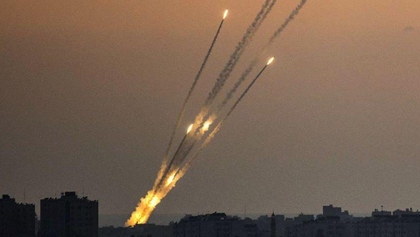 المقاومة الفلسطينية ترد على المجازر.. رشقات صاروخية كبيرة تستهدف قاعدة تنصت ومواقع إسرائيلية 6