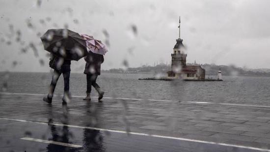 بعد موجة الحر التي شهدتها.. إسطنبول على موعد مع الأمطار 1