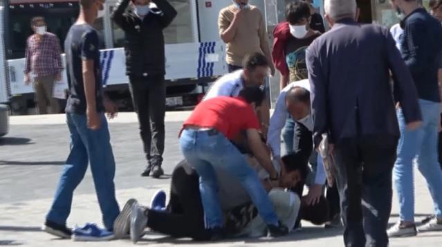 شجار يقلب ميدان تقسيم في إسطنبول 14